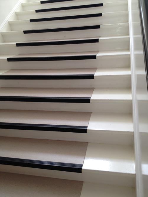linoleum pvc auf einer treppe verlegen treppen kaufen. Black Bedroom Furniture Sets. Home Design Ideas